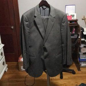Jos A Bank men suit - jacket 44R pants waist 36
